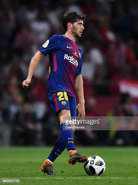 Sergi Roberto of FC Barcelona runs with the ball during the Spanish Copa del Rey Final match between Barcelona and Sevilla at Wanda Metropolitano...