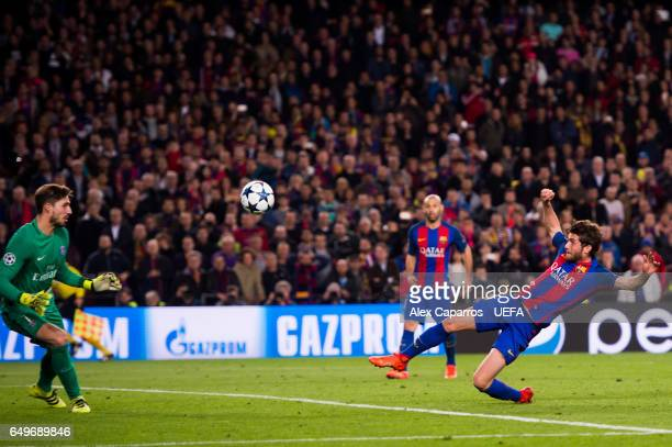 Sergi Roberto of FC Barcelona scores his team's sixth goal during the UEFA Champions League Round of 16 second leg match between FC Barcelona and...