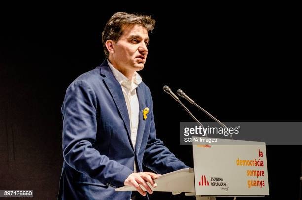 Sergi Sabrià and his electoral team seen on stage during the election night of the 21D Two hours after the polling stations closed and with the total...