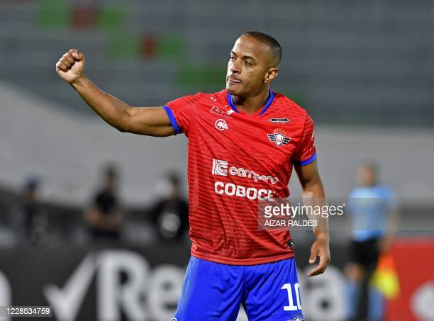 Serginho of Bolivia's Wilstermann celebrates after scoring against Brazil's Paranaense during their Copa Libertadores football match, at the Felix...