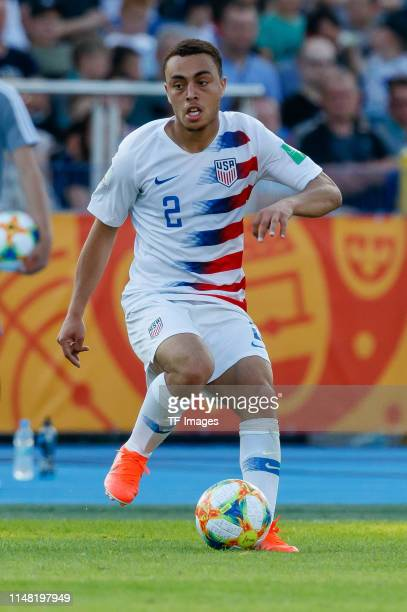 Sergino Dest of USA controls the ball during the 2019 FIFA U20 World Cup Round of 16 match between France and USA at ZdzislawKrzyszkowiakStadion on...