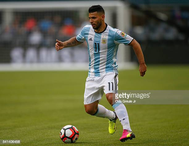 Sergio Aguero of Argentina dribbles against Bolivia during the 2016 Copa America Centenario Group D match at CenturyLink Field on June 14 2016 in...