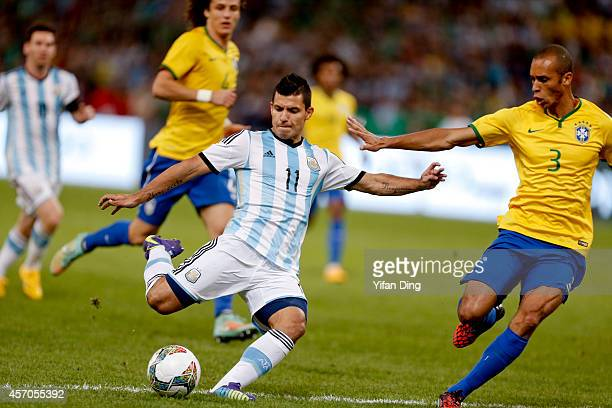 Sergio Aguero of Argentina shoots the ball during a match between Argentina and Brazil as part of 2014 Superclasico de las Americas at Bird Nest...