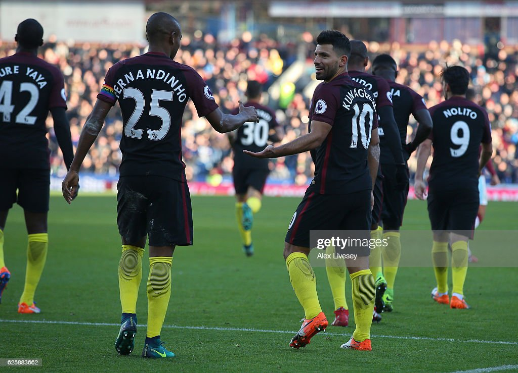 Sergio Aguero (R) of Manchester City celebrates scoring his team's second goal with his team mate Fernandinho (L) during the Premier League match between Burnley and Manchester City at Turf Moor on November 26, 2016 in Burnley, England.
