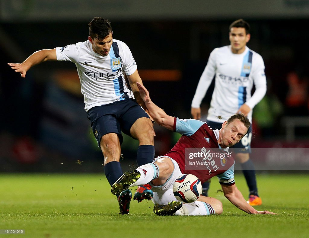 West Ham United v Manchester City - Capital One Cup Semi-Final: Second Leg : News Photo