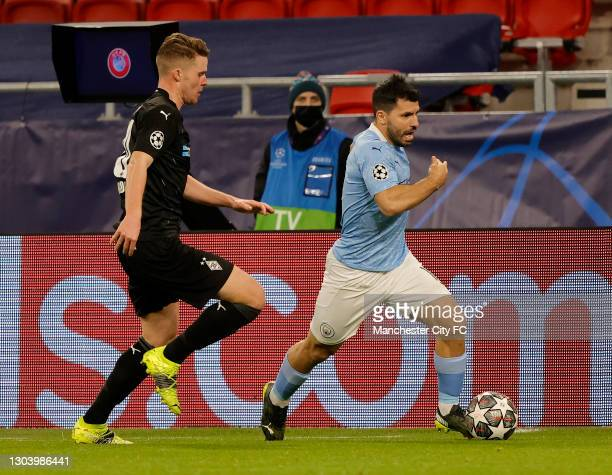 Sergio Aguero of Manchester City leaves Nico Elvedi of Borussia Mönchengladbach behind during the UEFA Champions League Round of 16 match between...