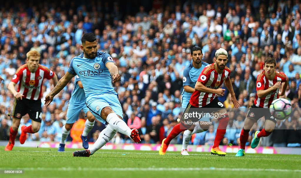 Sergio Aguero of Manchester City scores his sides first goal during the Premier League match between Manchester City and Sunderland at Etihad Stadium on August 13, 2016 in Manchester, England.