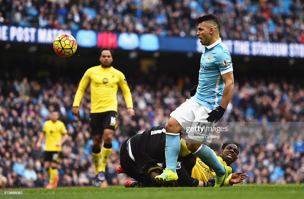 Sergio Aguero of Manchester City scores his team's second goal during the Barclays Premier League match between Manchester City and Aston Villa at Etihad Stadium on March 5, 2016 in Manchester, England.