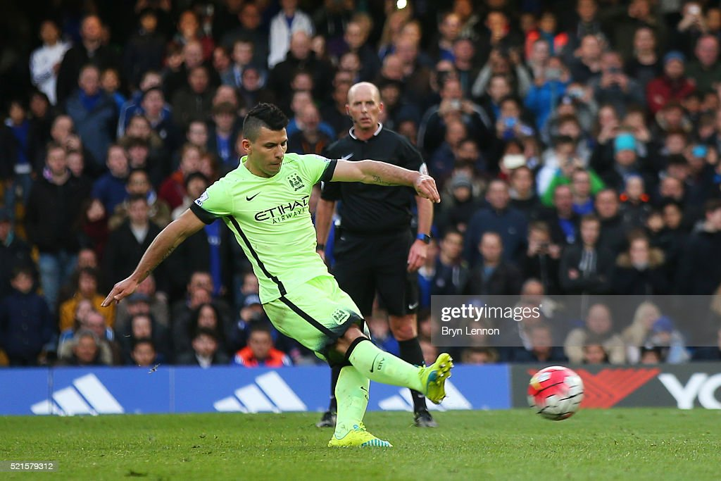 Sergio Aguero of Manchester City scores his third goal during the Barclays Premier League match between Chelsea and Manchester City at Stamford Bridge on April 16, 2016 in London, England.