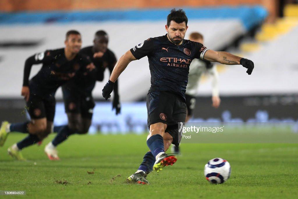 Fulham v Manchester City - Premier League : News Photo