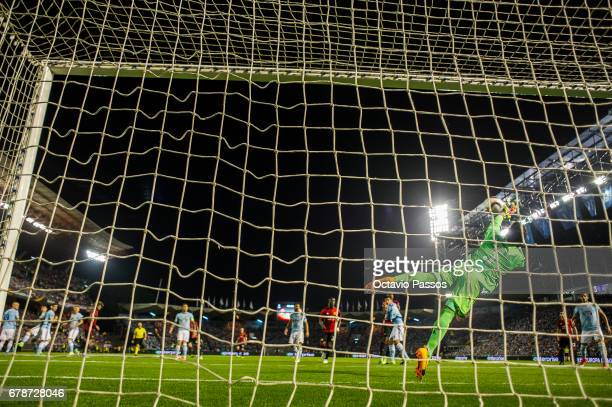 Sergio Alvarez of RC Celta concedes a goal for Marcus Rashford of Manchester United during the UEFA Europa League semi final first leg match between...