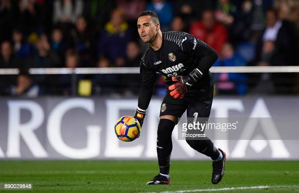 Sergio Asenjo of Villarreal in action during the La Liga match between Villarreal and Barcelona at Estadio La Ceramica on December 10 2017 in...