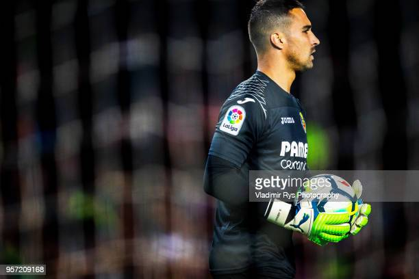 Sergio Asenjo of Villarreal is pictured during the La Liga match between FC Barcelona and Villareal CF at the Camp Nou stadium on May 09, 2018 in...
