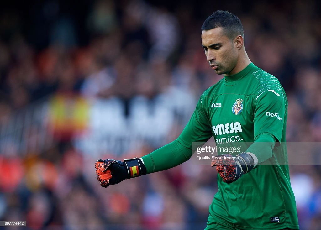 Sergio Asenjo of Villarreal reacts during the La Liga match between Valencia and Villarreal at Mestalla Stadium on December 23, 2017 in Valencia, Spain.