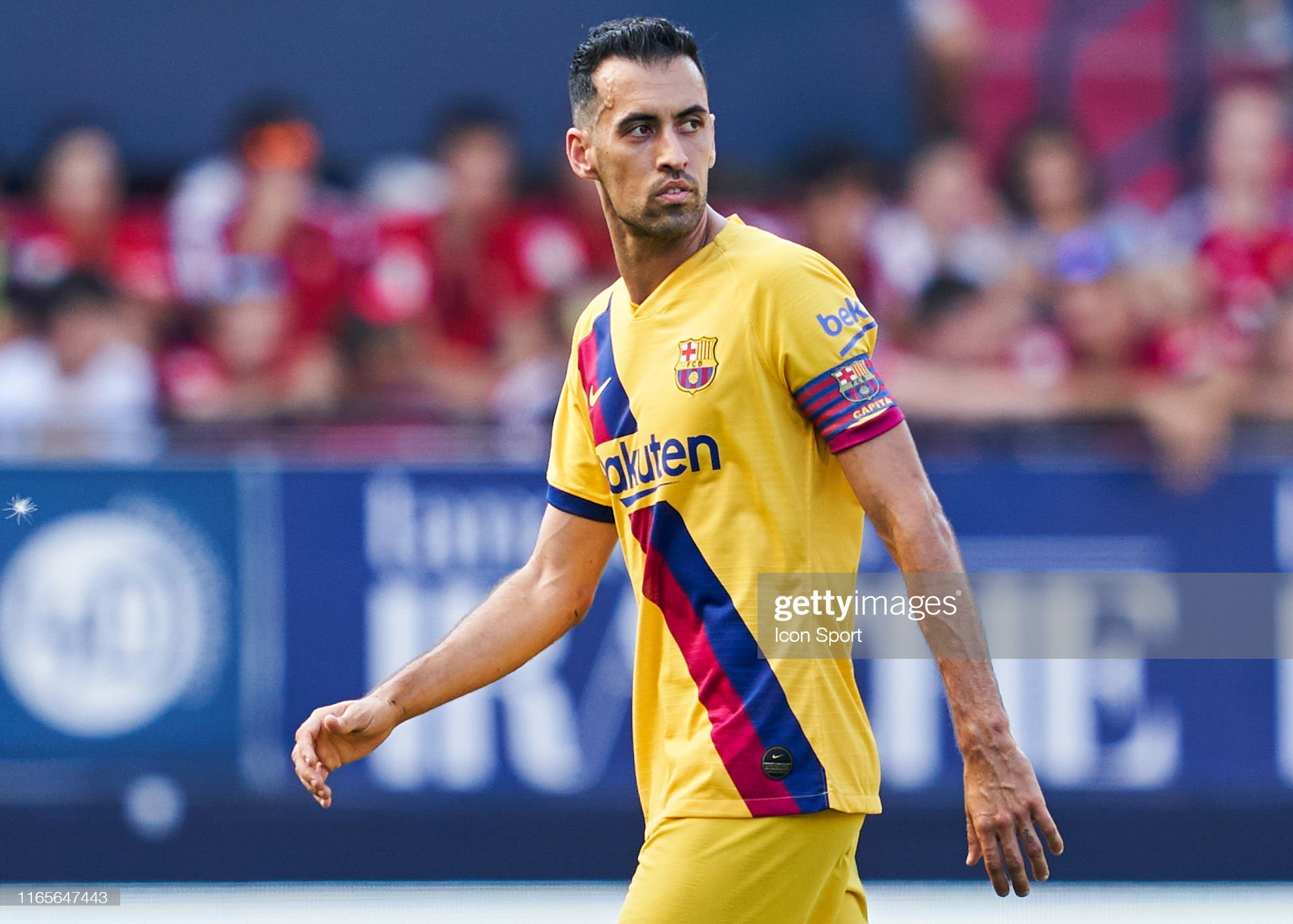 صور مباراة : أوساسونا - برشلونة 2-2 ( 31-08-2019 )  Sergio-busquets-of-fc-barcelona-during-the-liga-match-between-osasuna-picture-id1165647443?s=2048x2048