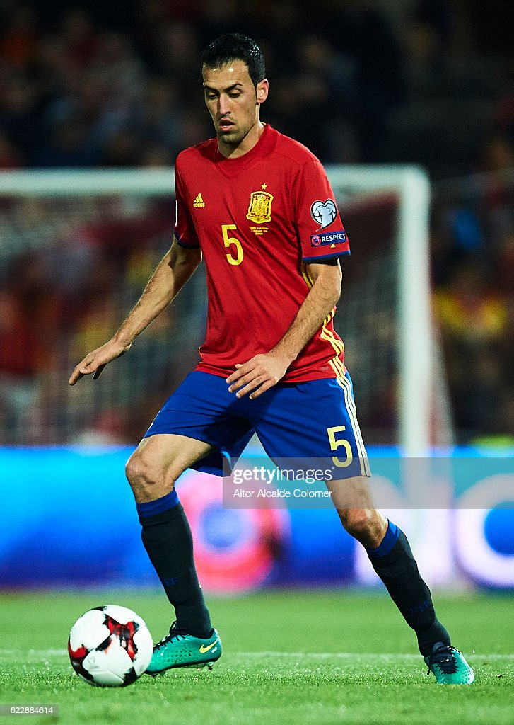 Sergio Busquets of Spain in action during the FIFA 2018 World Cup Qualifier between Spain and FYR Macedonia at on November 12, 2016 in Granada, .
