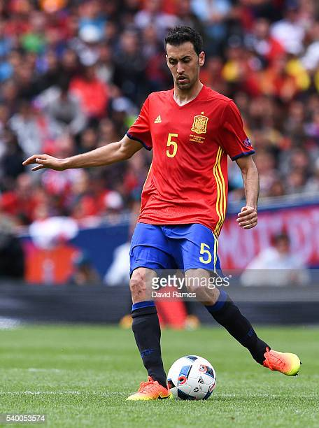 Sergio Busquets of Spain runs with the ball during the UEFA EURO 2016 Group D match between Spain and Czech Republic at Stadium Municipal on June 13,...