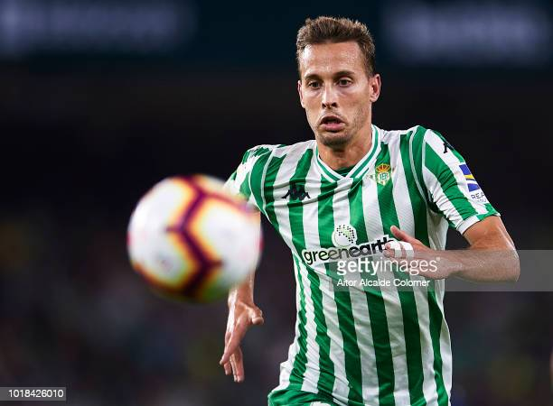Sergio Canales of Real Betis Balompie in action during the La Liga match between Real Betis Balompie and Levante UD at Estadio Benito Villamarin on...