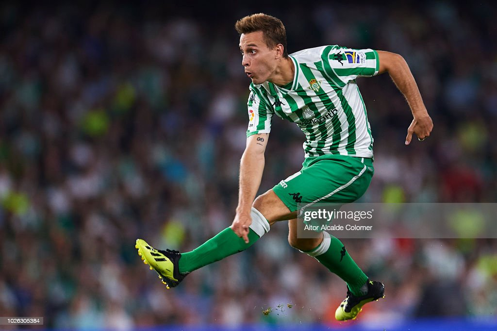 Sergio Canales of Real Betis Balompie in action during the La Liga match between Real Betis Balompie and Sevilla FC at Estadio Benito Villamarin on September 2, 2018 in Seville, Spain.
