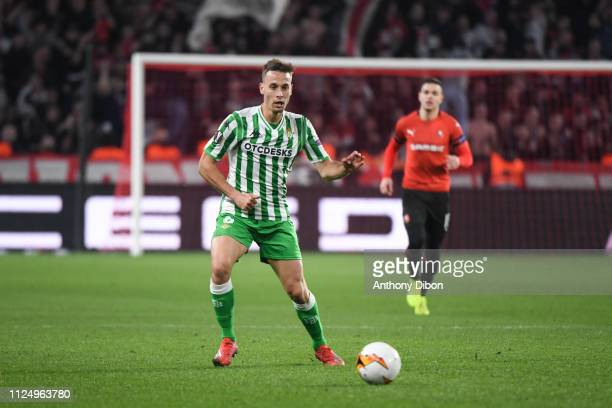 Sergio Canales of Real Betis during the UEFA Europa League Round of 32 First Leg match between Rennes and Real Betis at Roazhon Park on February 14...