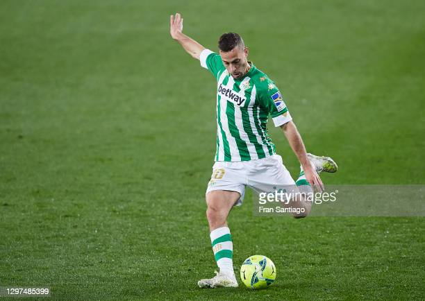 Sergio Canales of Real Betis in action during the La Liga Santader match between Real Betis and RC Celta at Estadio Benito Villamarin on January 20,...