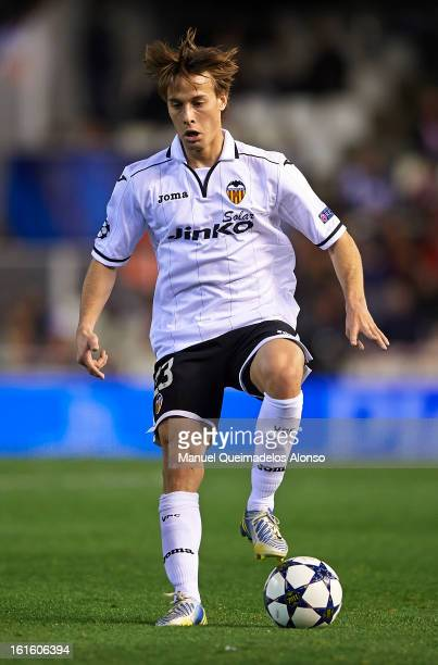 Sergio Canales of Valencia controls the ball during the UEFA Champions League Round of 16 match between Valencia CF and Paris St Germain at Estadi de...