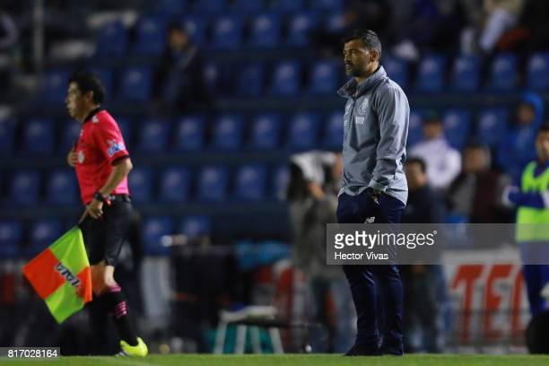 Sergio Conceicao coach of Porto looks on during a match between Cruz Azul and Porto as part of Super Copa Tecate at Azul Stadium on July 17 2017 in...