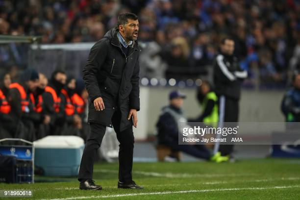 Sergio Conceicao head coach / manager of FC Porto during the UEFA Champions League Round of 16 First Leg match between FC Porto and Liverpool at...