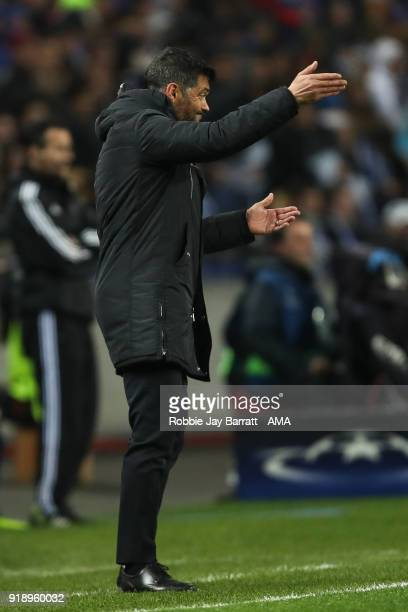 Sergio Conceicao head coach / manager of FC Porto gestures during the UEFA Champions League Round of 16 First Leg match between FC Porto and...