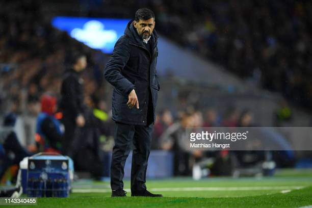 Sergio Conceicao, Manager of FC Porto gives his team instructions during the UEFA Champions League Quarter Final second leg match between Porto and...