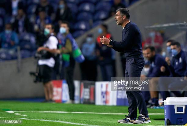 Sergio Conceicao, Manager of FC Porto reacts during the UEFA Champions League group B match between FC Porto and Liverpool FC at Estadio do Dragao on...