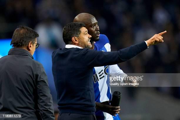Sergio Conceicao the manager of FC Porto gives instructions to Danilo Pereira during the Liga Nos match berween FC Porto and FC Famalicao at Estadio...
