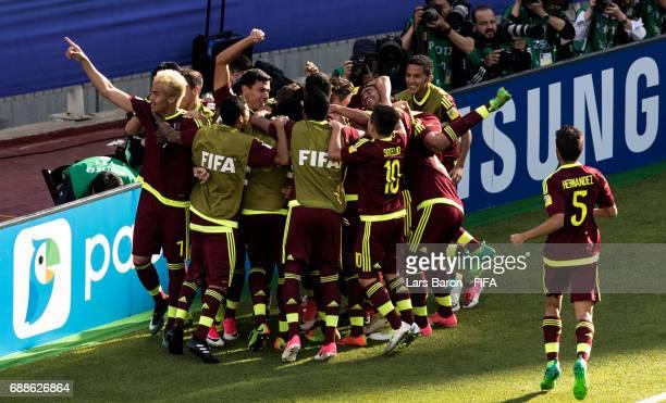 Sergio Cordova of Venezuela celebrates with team mates after scoring his teams first goal during the FIFA U-20 World Cup Korea Republic 2017 group B...