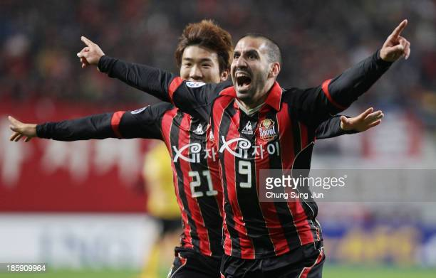 Sergio Escudero of FC Seoul celebrates after scoring a goal during the AFC Champions League Final 1st leg match between FC Seoul and Guangzhou...