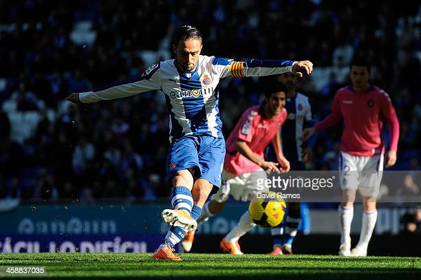 Sergio Garcia of RCD Espanyol scores the opening goal from the penalty spot during the La Liga match between RCD Espanyol and Real Valldolid CF at...