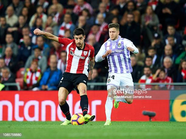 Sergio Gontan 'Keko' of Real Valladolid CF competes for the ball with Yuri Berchiche of Athletic Club during the La Liga match between Athletic Club...