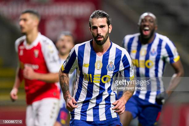 Sergio Oliveira of FC Porto celebrates with after scoring his team's first goal during the Liga NOS match between SC Braga and FC Porto at Estadio...