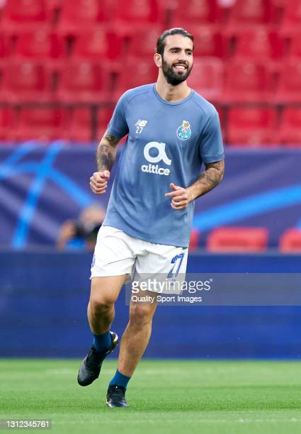 Sergio Oliveira of Porto warms up prior to the UEFA Champions League Quarter Final Second Leg match between Chelsea FC and FC Porto at Estadio Ramon...