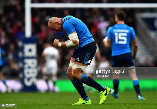 Sergio Parisse of Italy celebrates his teams try during the RBS Six Nations match between England and Italy at Twickenham Stadium on February 26 2017...