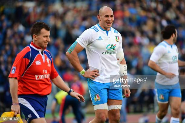 Sergio Parisse of Italy shares a joke within judge Nigel Owens during the RBS Six Nations match between Italy and France at Olimpico Stadium on March...