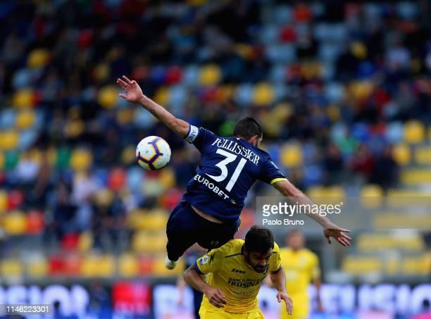Sergio Pellissier of Chievo Verona competes for the ball with Nicolo' Brighenti of Frosinone Calcio during the Serie A match between Frosinone Calcio...