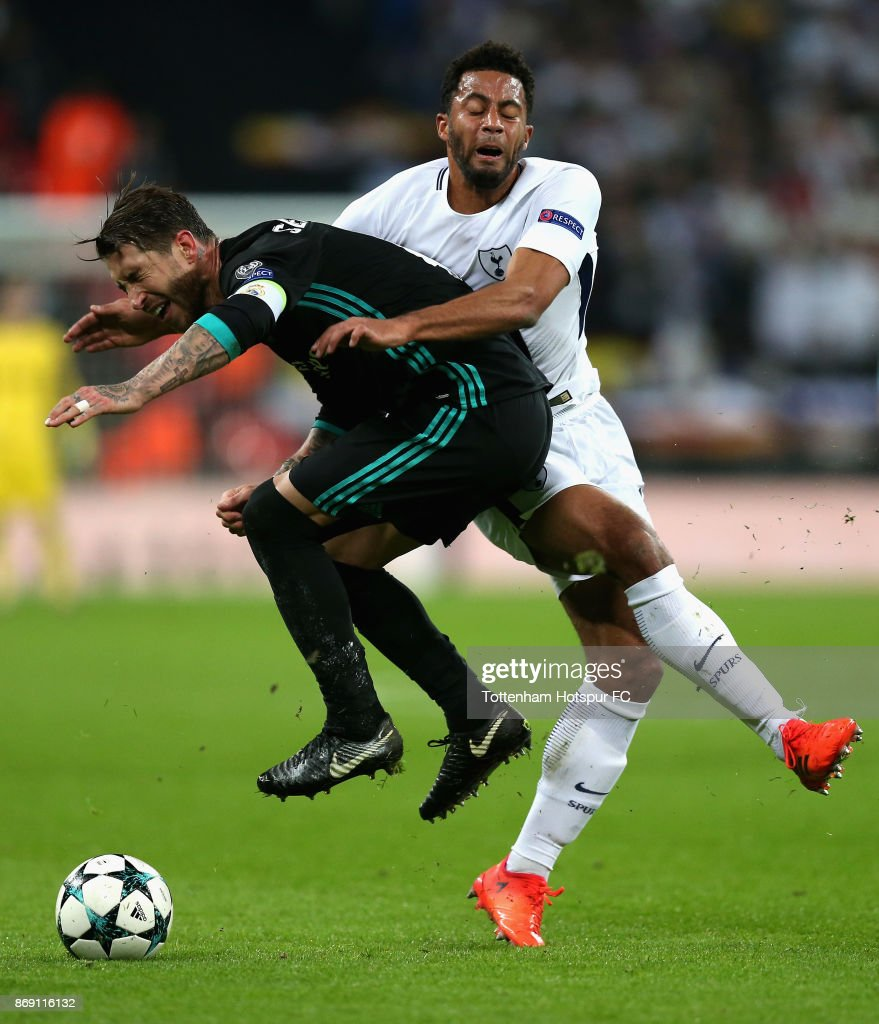 Sergio Ramos of Real Madrid and Mousa Dembele of Tottenham Hotspur clash during the UEFA Champions League group H match between Tottenham Hotspur and Real Madrid at Wembley Stadium on November 1, 2017 in London, United Kingdom.