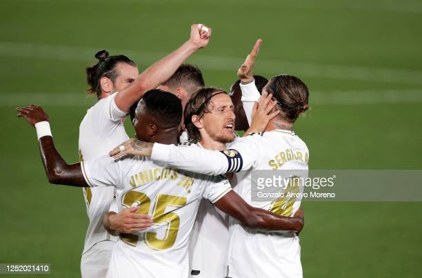 Sergio Ramos of Real Madrid celebrates scoring his sides second goal during the Liga match between Real Madrid CF and RCD Mallorca at Estadio Alfredo...