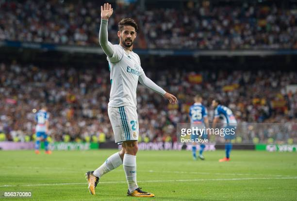 Sergio Ramos of Real Madrid CF celebrates after Isco Alarcon scored their teamÕs opening goal during the La Liga match between Real Madrid and...
