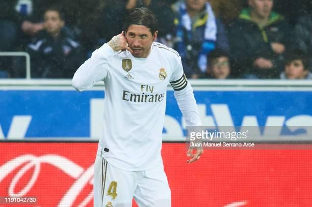 Sergio Ramos of Real Madrid CF celebrates after scoring goal during the Liga match between Deportivo Alaves and Real Madrid CF at Estadio de...