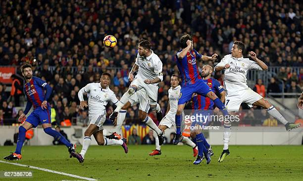 Sergio Ramos of Real Madrid heads the ball to score the equalising goal during the La Liga match between FC Barcelona and Real Madrid CF at Camp Nou...