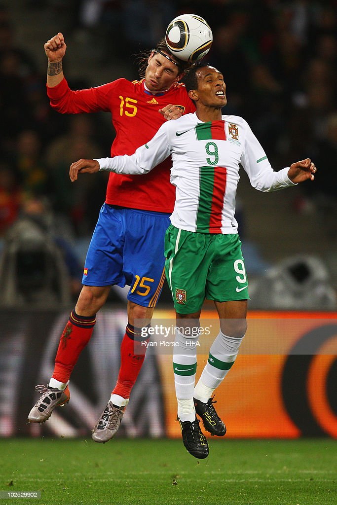 Spain v Portugal: 2010 FIFA World Cup - Round of Sixteen : ニュース写真
