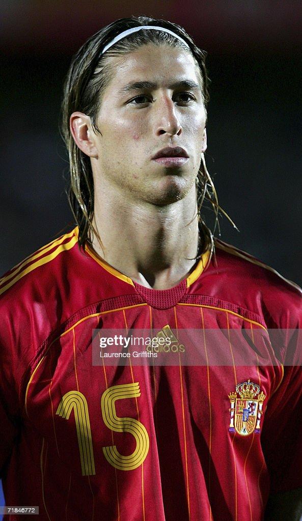 Euro2008 Qualifier: Northern Ireland v Spain : ニュース写真