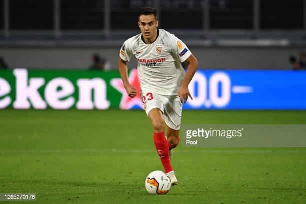 Sergio Reguilon of Sevilla runs with the ball during the UEFA Europa League Quarter Final between Wolves and Sevilla at MSV Arena on August 11, 2020...
