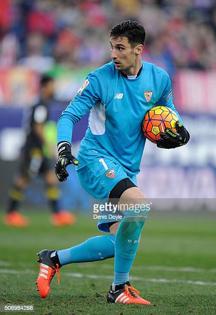 Sergio Rico of Sevilla FC in action during the La Liga match between Club Atletico de Madrid and Sevilla FC at Vicente Calderon Stadium on January 24...